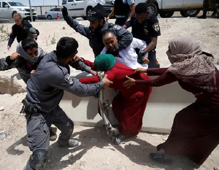 Israeli police evict Bedouins by force